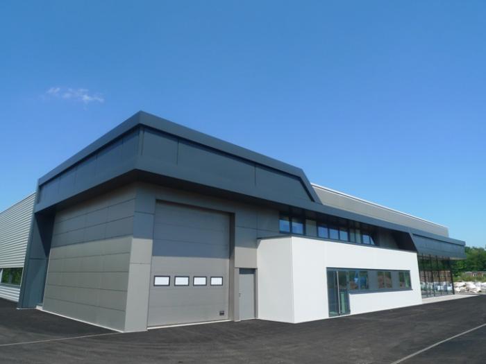 Bâtiment commercial/Ateliers