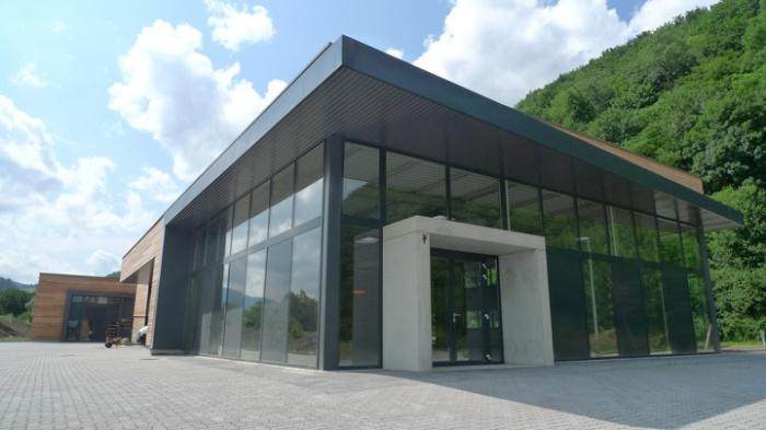 Bâtiment commercial/Ateliers 2