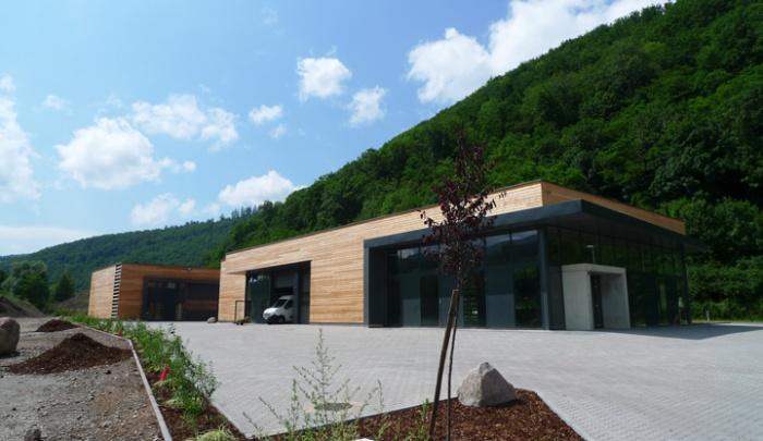 Bâtiment commercial/Ateliers 2 : TERCOMBATM03